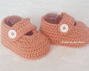Handmade baby shoes, baby crochet shoes, handmade shower gift, crochet shoes for baby, newborn shoes, baby boots and shoes, shoes for baby