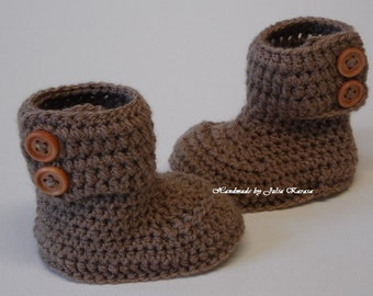 Crocheted warm baby boots, boots for baby, handmade baby booties, gift for baby, handmade shower gift, crochet booties, baby booties