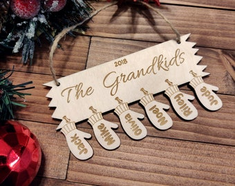 Custom Family Christmas Ornament, Personalized Names, Holiday Wooden Gift, Mittens with Grandkids Names, Gift for Mom, Present for Grandma