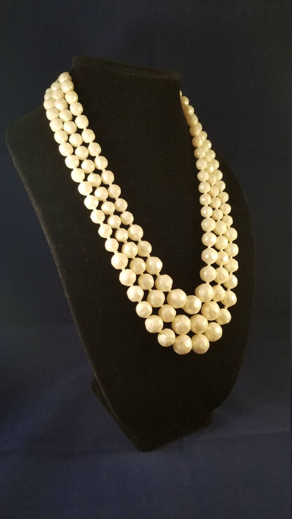 Faux pearl vintage necklace - image 9