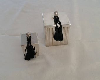 Candle in metal silver square with tassels