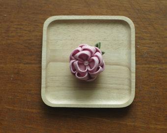 Shiny gold pink flower pin, Women's pin,flower brooch, flower pin, brooch,handmade fabric flower