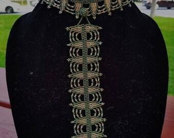 Green QUEEN beaded neckace  (with matching bracelet)