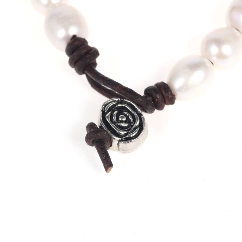 Bridesmaid pearl bracelet Leather bracelet Leather pearl bracelet Pearl leather bracelet Pearl bracelet White pearl bracelet