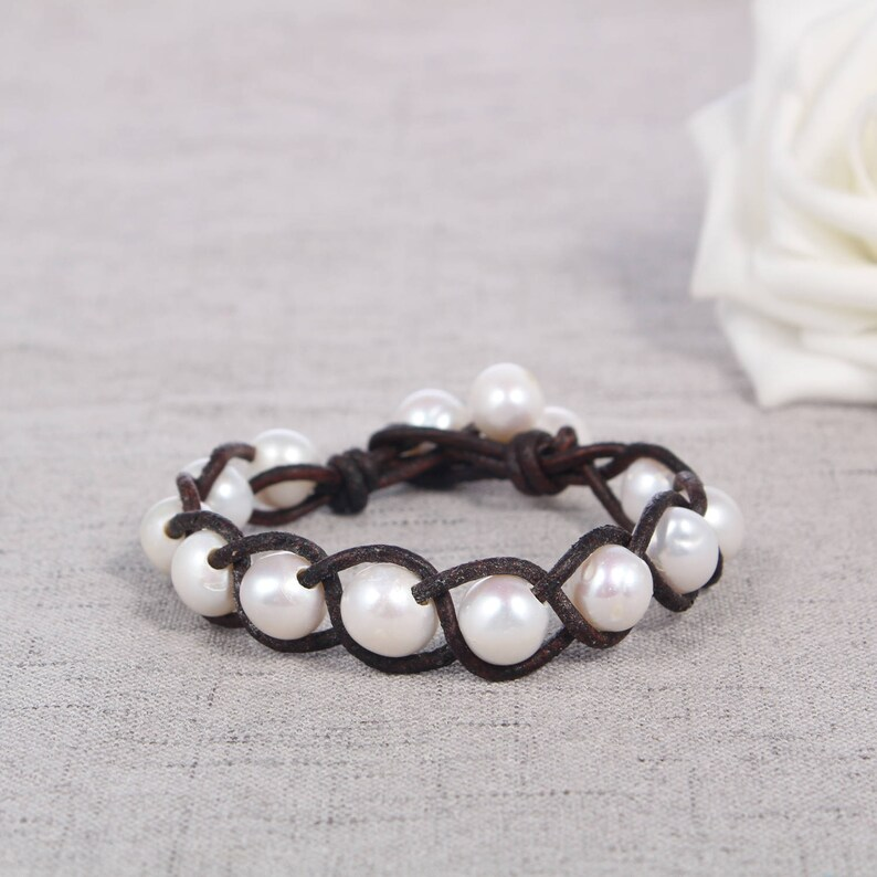 leather pearl bracelet wedding gift for her freshwater pearl jewelry white pearl bracelet bridesmaid bracelet pearl leather bracelet