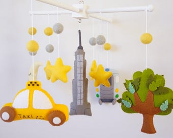 Baby mobile Night in New York Moon Taxi Central Park Tree Empire State Train car Nursery mobile Crib Cot mobile Baby shower gift Felt mobile