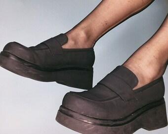 75e010db971 90 s Steve Madden Platform Loafers- Neoprene   Rubber Flatforms- Size 7.5.  Chunky platform