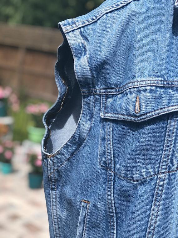 VINTAGE DENIM VEST/90s denim jacket vest/sleevele… - image 4