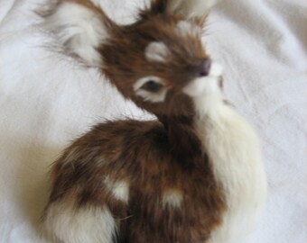 Fawn: Figurine in genuine leather and fur