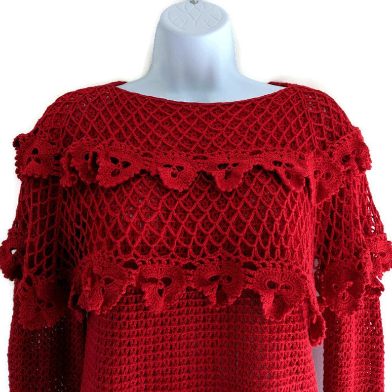 Handmade. Hippie Size Small Vintage Que Mere Crocheted Red Sweater w Crocheted Flower Trim Boho
