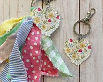 Heart Keychain//Keychain Clip//Floral Heart Keychain//Planner Clip//Acrylic Charm//Fabric Tassel//Backpack Clip