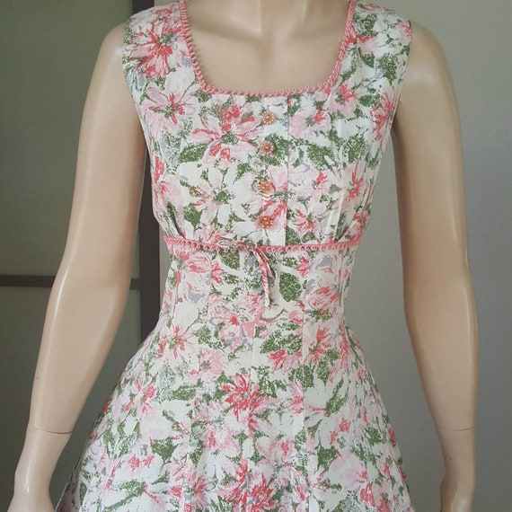 Sweet 1950s vintage floral summer dress 31W - image 5