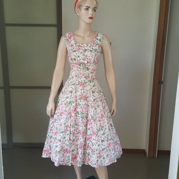 Sweet 1950s vintage floral summer dress 31W - image 1