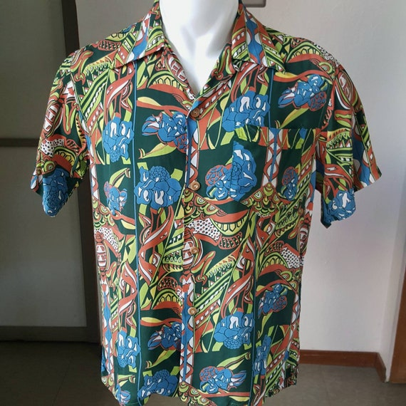 Silky cold rayon crazy print Hawaiian shirt M