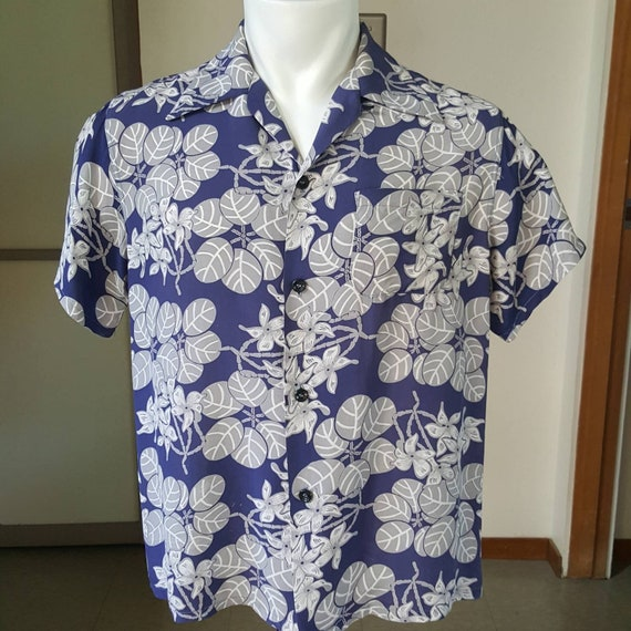 1950s Vintage Silky Cold Rayon Men's Hawaiian Shir