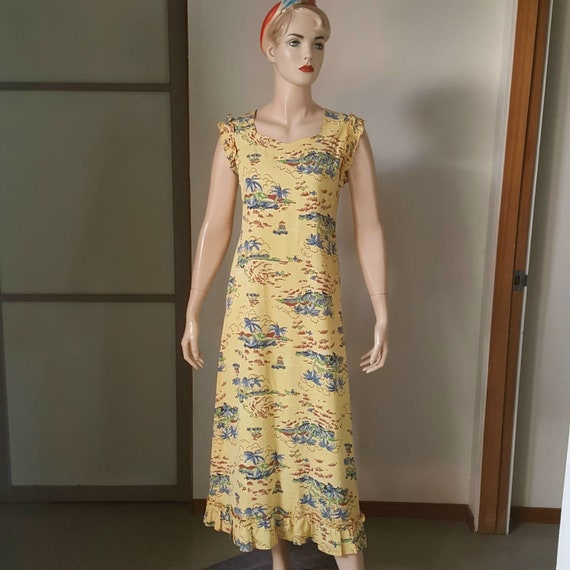 1950s Vintage Hawaiian Maxi Dress With Ruffled Sle