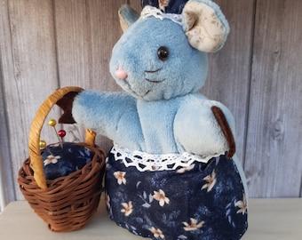 Blue needle pique mouse