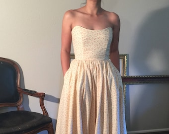 Glorious petite cream and roses floral print calico cotton gown with strapless scoop neckline, pockets and full ball gown skirt