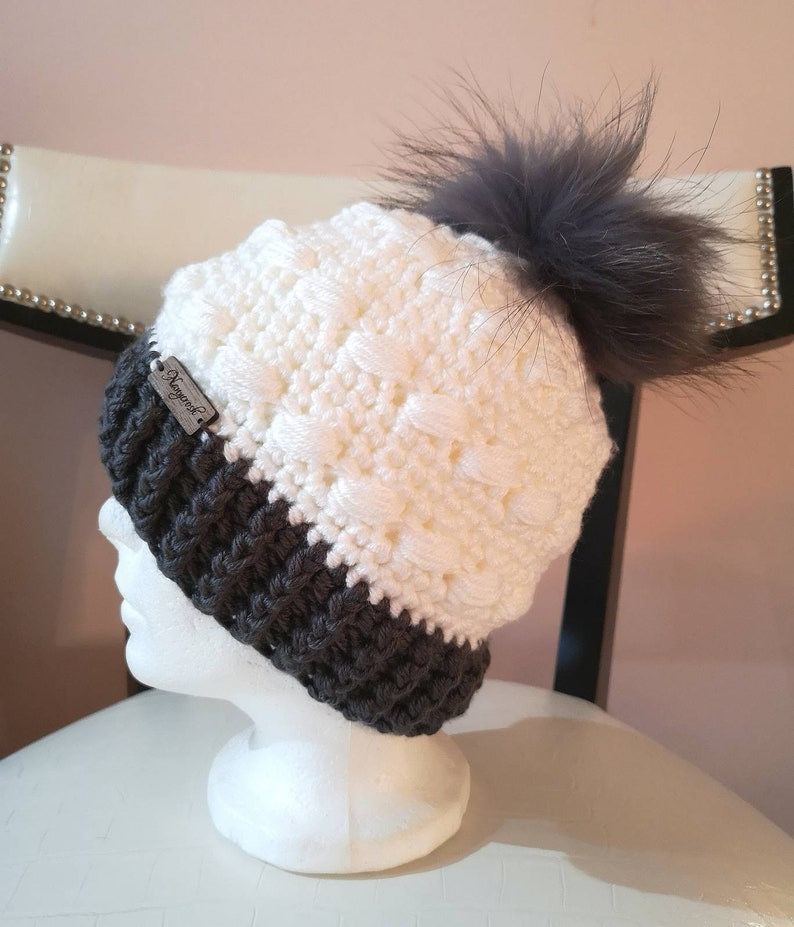 Fancy crochet tuque with fur pompom