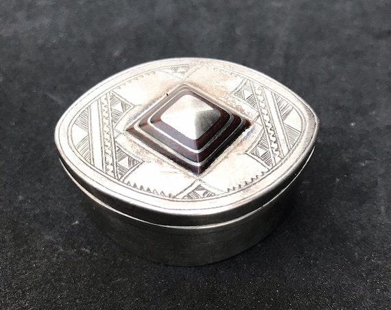 Touareg box Silver Tribal Jewelry African Berber Nomadic  Traditionalart Authentic Handmade  Sahara Ethnic decor  Gift box collector ring