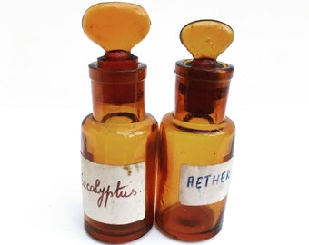 Antique Brown Amber Glass Pharmacy Apothecary Bottles Set 2 Cabinet Chemist Medical Bathroom Decor Collectible Prescription Medicine