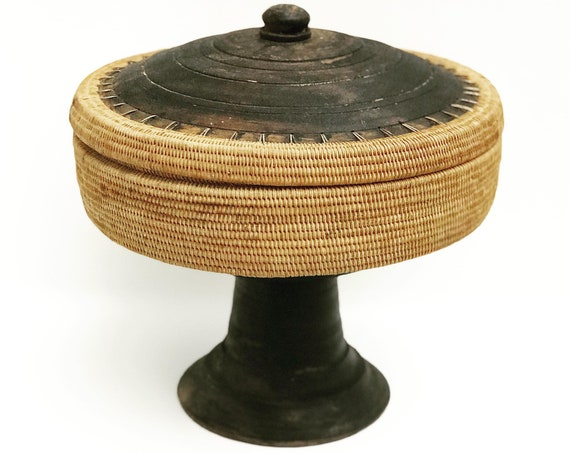 Woven basket with lid pedestal grass rattan bamboo wood Lombok Indonesia Mid Century Boho Bali bohemian decor chic tribal basket ethnic