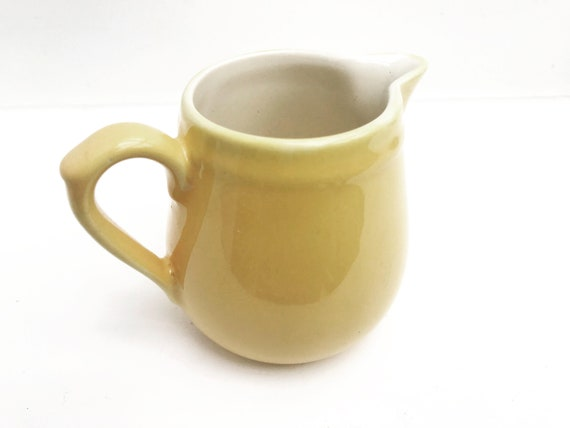 Milk jug Creamer Villeroy and Boch shabby Yellow pastel Pitcher   1940s Porcelain  China Replacement Ancient China Cream pot hostess gift