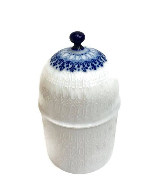 Bjorn Wiinblad Rosenthal Studio Linie Romanze covered jar,  lidded jar, cobalt blue