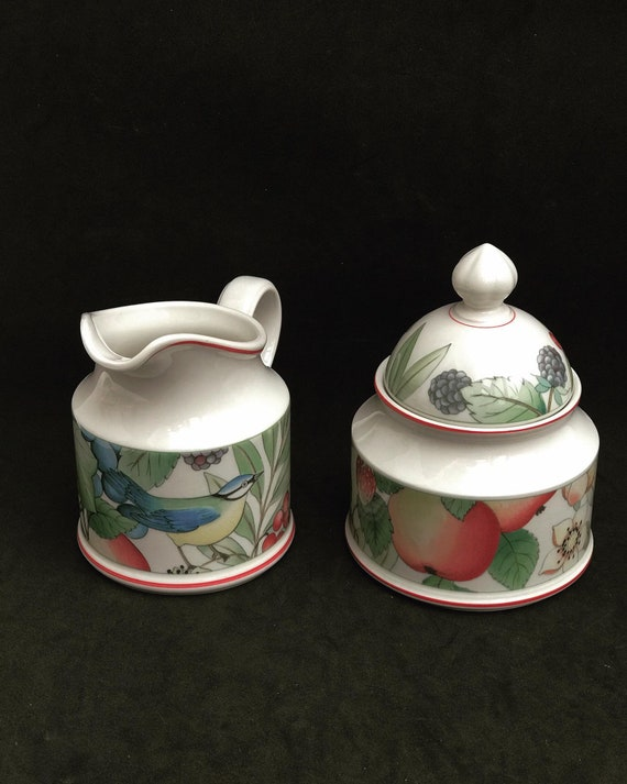Set Villeroy and Boch Catalina Creamer and sugar bowl with lid  70s breakfast tea gift replacement strawberry decor wedding gift