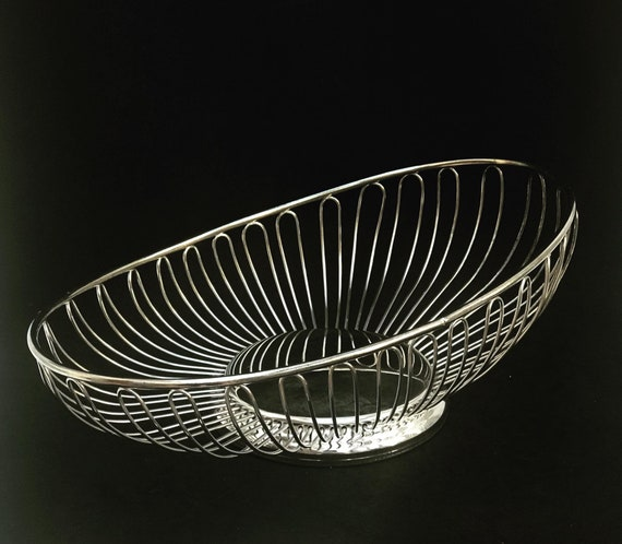 Fruit or bread basket Wire Silver plated bread basket fruit basket table decor Table centerpiece wedding gift