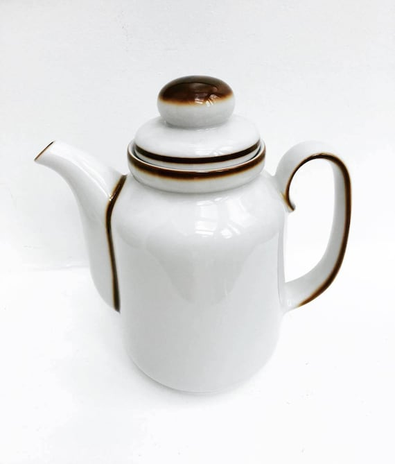 Coffeepot Teapot with Lid Mid Century Modern  by Winterling Bavaria, Germany with lid, in perfect condition. Winterling Bavaria tureen