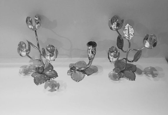 3 Rare candlesticks vintage Quist Silver metal in the shape of open flowers and another in the shape of a closed flower, with foot of leaf