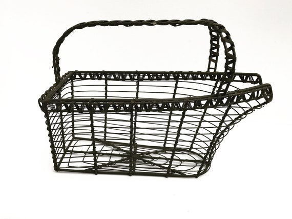 Wine cradle wrought iron bottle holder bottle stand wire rustic kitchen decor table french country christmas gift for him cottage chic
