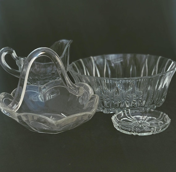 Glass Bowl creamer or gravy boat salad Bowl small dish and glass sweet basket  4 pièces,  Art Deco, clear molded/pressed glass sauce boat