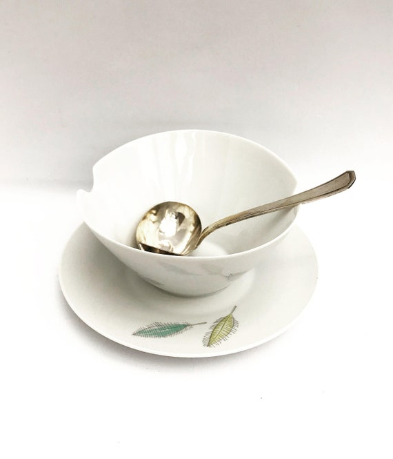 Gravy boat with spoon Rosenthal Mid Century design by Raymond Loewy white porcelain made in Germany christmas table white sauce boat