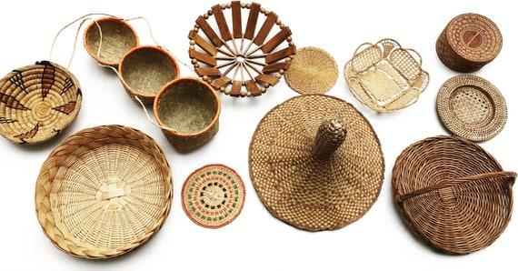 Wicker basket Boho wall art Woven wall basket round rattan flat basket wall basket tray bohemian decor wall boho chic Wicker hanging african