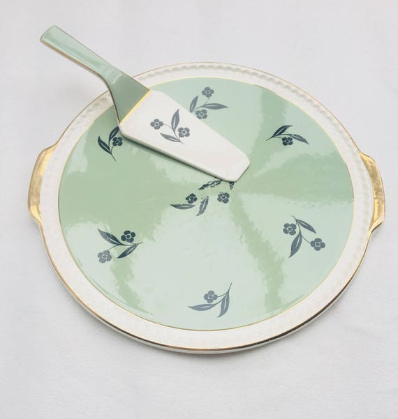 Villeroy and Boch, Round Serving Plate, Cake Plate, Pastel green, Golden, Pizza Plate, Quiche Plate China replacement, Discontinued China