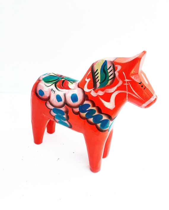 Dala Horse wooden Figurine Swedish By Nils Olsson 15 cm Original Sticker Scandinavian Modern Hand Painted Scandinavian design red  Wood