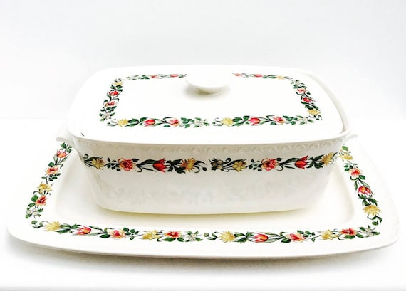 Villeroy and Boch,  serving dish signed, 40s with lid and underside, 3 pieces high quality Glaze, pottery, vitreous, stoneware pottery,