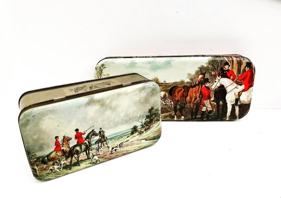 Fox Hunt decor tin box vintage French Hunting Fox and Hounds, Equestrian Gift, Old Tin  Trinket Box with Hunt Scene Decorative litho gift