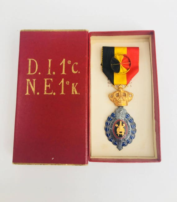 Awards Work Decoration, Labour Decoration Belgium Medal for Work, First Category, 1930s, Belgium co-worker gift Commemorative Medal, 1940s