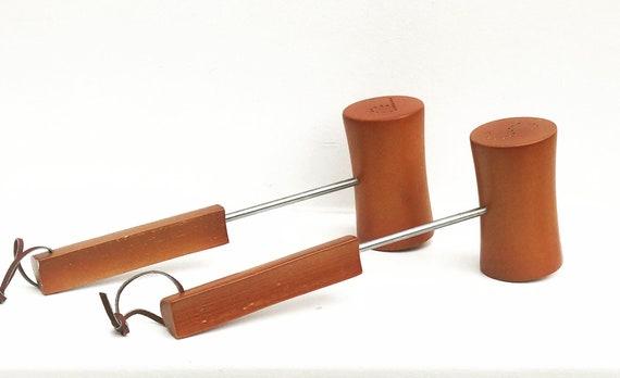 Vintage Wooden Hammer Salt and Pepper Shaker gavel Design Novelty gift BBQ  judge lowyer auctioner him gift for dad wood table decor