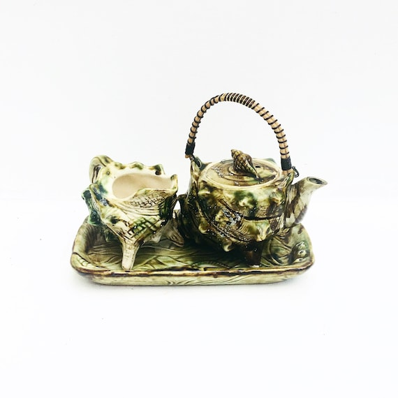 Decorative Shell Pieces Kitsch sea shell ornament, Majolica  1950s Vintage, Retro, Shell Décor Unusual Snail Sea, ceramic teapot for one,