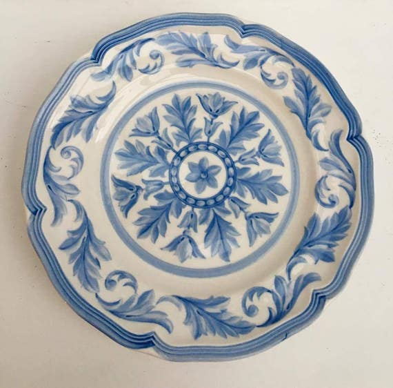Villeroy & Boch, casa azul 2 salad dishes, dessert dishes replacement dishes Discontinue Current 2001 - 2006, replacement dishes.