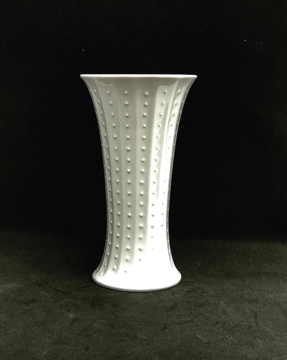 White vase porcelain Op Art Wunsiedel Bavaria 70s wedding gift, Mid Century, glossy porcelain minimalist design gift for mom