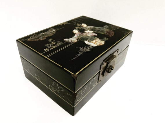 Jewelry box Vintage Chinese Asian Jewelry Box Black Lacquer Embossed Girls gift for girl chest Vintage 60s Pop Art Chinese christmas gift