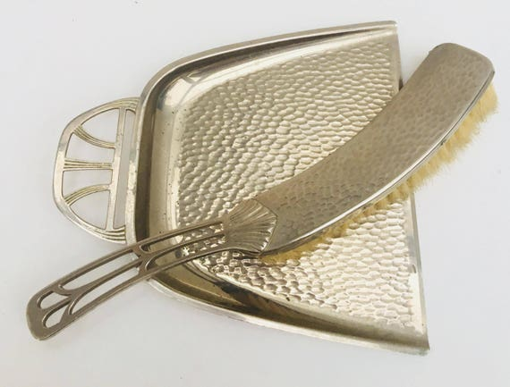 Crumb catcher Table Shovel and Brush, Tableware Service Pick Crumbs silver metal Brush Table. Art Nouveau, made in France on the 30s, 1930s