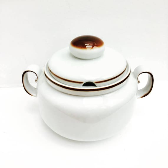Soup Tureen With Lid, Mid Century Modern, Beautiful by Winterling Bavaria, Germany, with lid, in perfect condition. Bavaria tureen