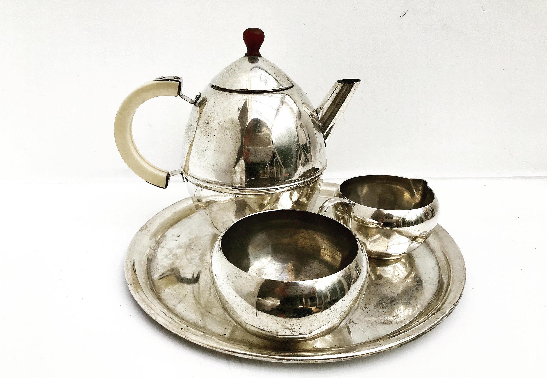 Art Deco Bauhaus style Tea Jugs with Disc Handle