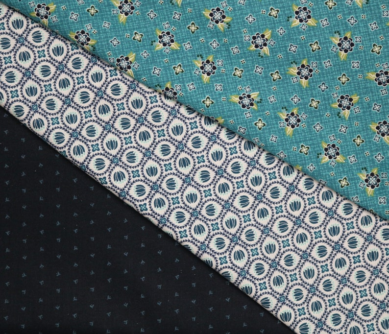 Benartex Fabrics Posy Turquoise Fabric Gloaming Blue Floral Cotton Quilting Sewing Craft Apparel Fabric by the Yard